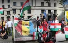 Protest Węgrów przed Downing Street