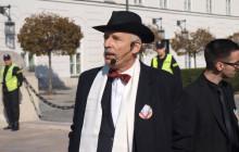Janusz Korwin-Mikke przedstawia receptę na walkę z narkomanią.