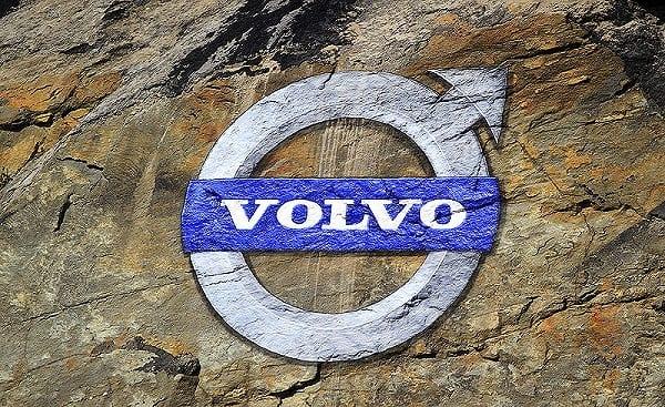 Rekordowa sprzedaż SUV-ów w Europie. Pozycję w tym segmencie umacnia Volvo