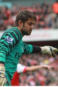 400px-Lukasz_Fabianski_Arsenal_vs_Birmingham_2010-11