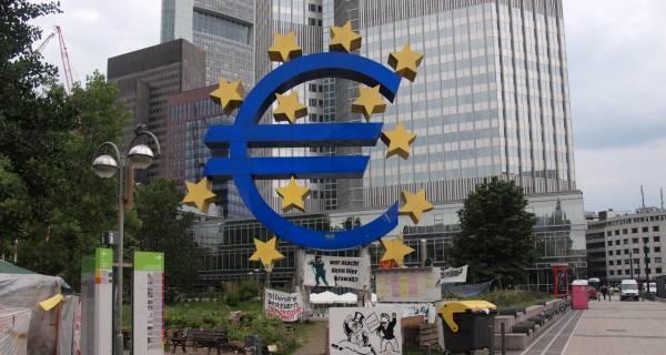 OECD: Stagnacja w strefie euro zagraża globanej gospodarce