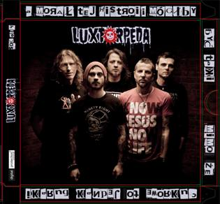 Mamy tylko chwilę pomiędzy wiecznościami - recenzja nowej płyty Luxtorpedy