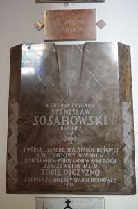398px-Tablica_upamiętniająca_Stanisława_Sosabowskiego_w_Kościele_św._Stanisława_Kostki_w_Warszawie