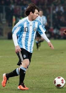 428px-Lionel_Messi_–_Portugal_vs._Argentina,_9th_February_2011