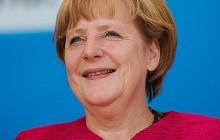 Merkel poda się do dymisji?
