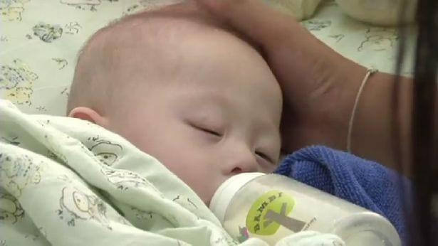 Rodzice z Australii jednak zaopiekują się chorym dzieckiem, które urodziła im surogatka?