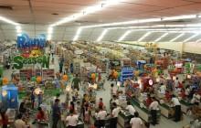 Handel w Polsce kwitnie. Powstanie więcej sklepów i wzrośnie płaca