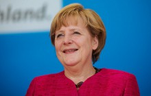 Merkel uważa, że UE musi przyjąć jeszcze więcej uchodźców.