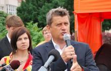 Palikot: Czy Lech Kaczyński powinien dalej leżeć na Wawelu? To miejsce dla bohaterów
