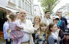Korwin-Mikke: Należy znieść podatki od kupna-sprzedaży-zamiany