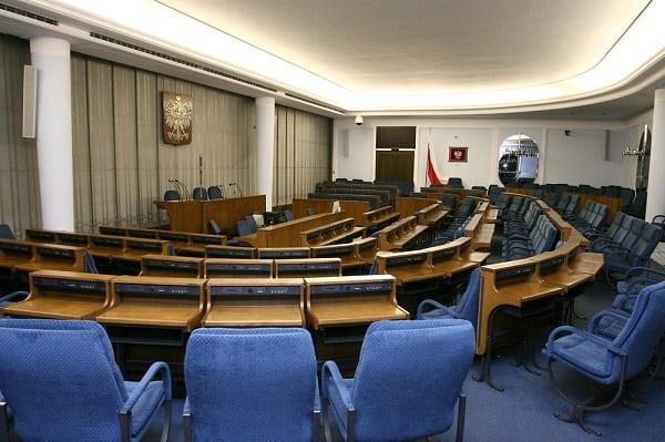 Przegłosowano ustawę bez wymaganej liczby senatorów? Głosowanie w Senacie budzi poważne wątpliwości