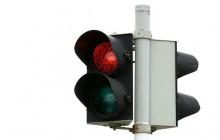 Przejście na czerwonym świetle bez mandatu? Biznesmen z Warszawy zbiera podpisy