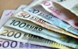 Komisja Europejska naciska: euro we wszystkich krajach UE do 2025 roku. Co na to Polska?