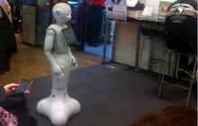 Rusza sprzedaż robotów reagujących na ludzkie emocje