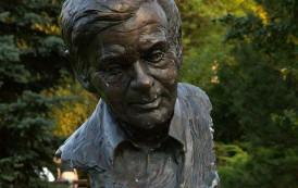 28 lipca 1998 roku w Warszawie zmarł Zbigniew Herbert
