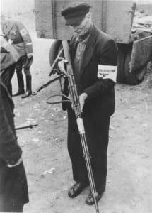 Volkssturmmann mit Gewehr