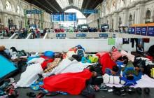 Szef BBN o uchodźcach: Trudno określić, czy to Syryjczycy. Wielu z nich wyrzuca dokumenty
