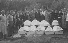 Kraków: Pochówek 59 osób rozstrzelanych przez Niemców