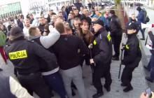 Starcie manifestujących z policją podczas marszu antyimigracyjnego w Koszalinie [WIDEO]