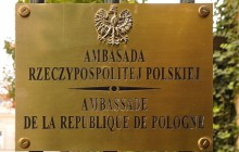 Ambasador przeprosił dziennikarza za brak pomocy, jednak placówka nadal nie widzi problemu