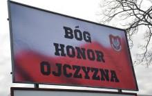 Patriotyczny billboard w Głogowie.