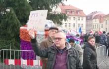 Rozmowa z uczestnikiem manifestacji KOD.