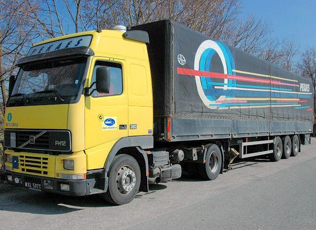 Ciężarówka_Pekaes