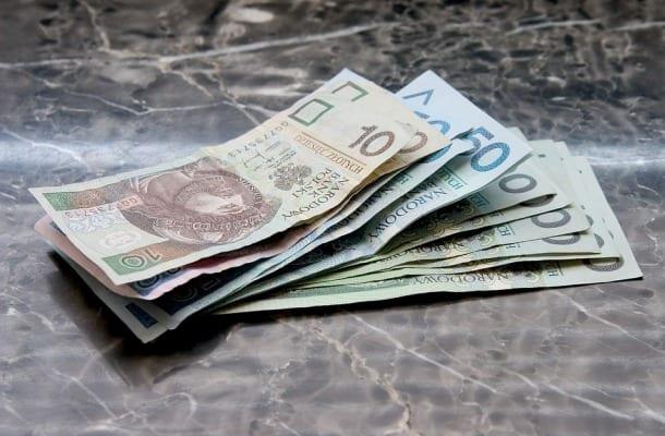 Pracownicy Poczty Polskiej dostaną w tym roku drugą podwyżkę. Spółka na wynagrodzenia przeznacza rocznie ponad 4,2 mld zł