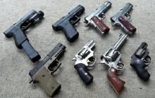 Unia chce zaostrzenia przepisów dotyczących dostępu do broni palnej, Polska przeciw