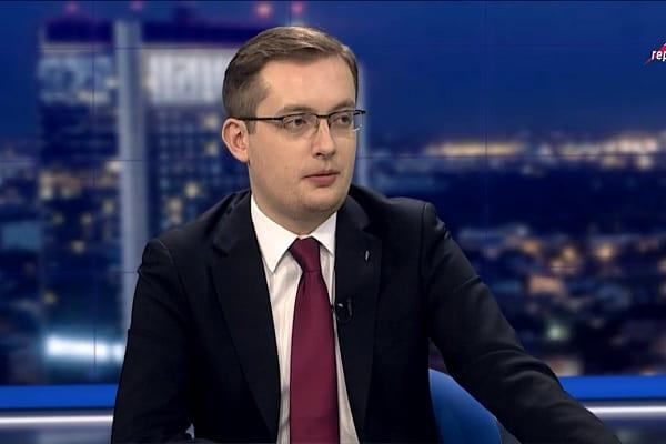 Winnicki krytykuje uchwałę upamiętniającą Mazowieckiego.