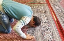Turecki profesor: Ludzie, którzy się nie modlą to zwierzęta