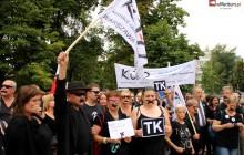 Kijowski i KOD domagają się... delegalizacji ONR.