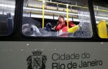 Chwile grozy na Igrzyskach Olimpijskich w Rio de Janeiro. Zaatakowano autobus przewożący dziennikarzy [FOTO]