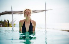 Niemcy: Wzrasta obawa przed molestowaniem seksualnym na kąpieliskach. Recepta? Tatuaż ze słowem