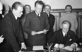 R. Derewenda: Bez paktu Ribbentrop-Mołotow nie byłoby wojny [WYWIAD]