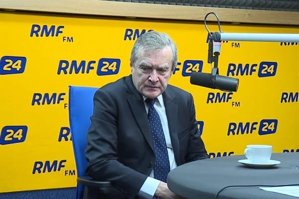 Dziennikarz RMF FM zapytał Piotra Glińskiego, dlaczego nie poszedł na Marsz Niepodległości. Ten w odpowiedzi nawiązał do... koloru włosów [WIDEO]