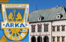 Kibice Arki Gdynia jadą na wyjazd do Kielc. Przed meczem chcą pozwiedzać muzeum.