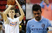 Nowy Jork: Koszykarze odwiedzili piłkarzy. Pamiątkowe fotografie rozbawiły Internautów.