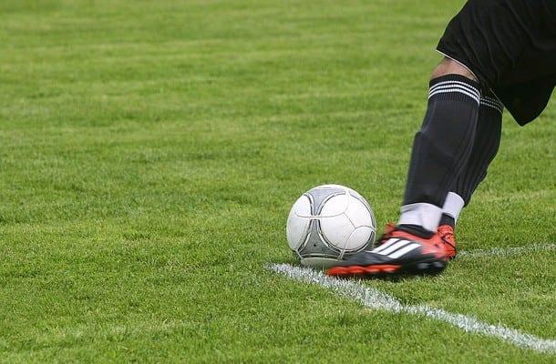 Długość meczu skrócona do 60 minut? Międzynarodowa Rada Piłkarska proponuje szereg zmian [WIDEO]