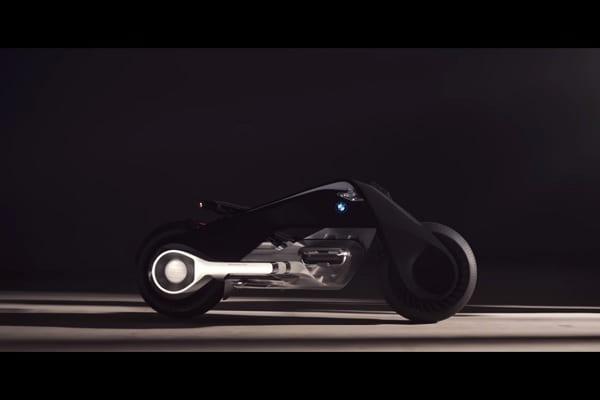 BMW prezentuje futurystyczny motocykl na setne urodziny [WIDEO]