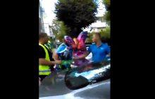 Kolejny film z udziałem Straży Miejskiej. Tym razem walczą ze... sprzedawcą balonów [WIDEO]