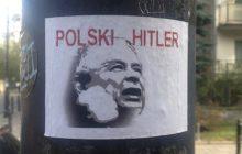 Skandaliczne plakaty koło Sejmu.