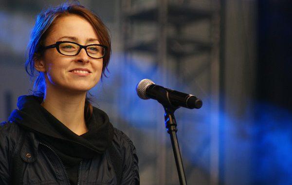 Polska piosenkarka przyznała, że dokonała aborcji. Nagrała o tym piosenkę [WIDEO]