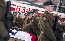 Szczątki zasłużonych dla Polski oficerów powróciły do kraju