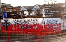 Zniszczono mural poświęcony Narodowym Siłom Zbrojnym [FOTO]