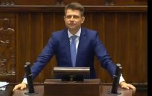 Kuriozalne sceny w Sejmie. Petru wchodzi na mównicę przy okrzykach...