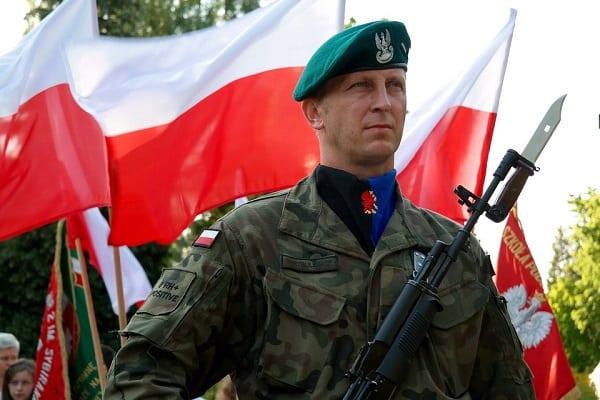 Decyzja zapadła. Polska zwiększa wydatki na obronność. Wzrośnie również liczba żołnierzy!