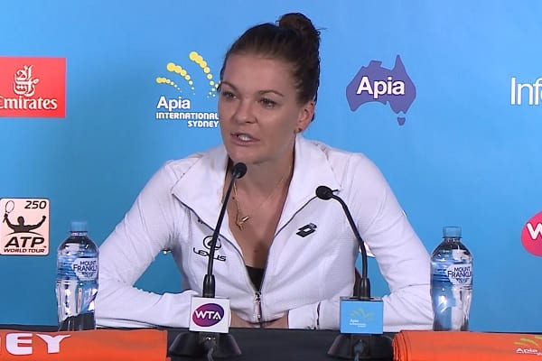 Radwańska pewnie wygrywa i awansuje do finału turnieju w Sydney!