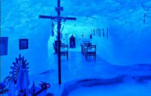 Antarktyda: Niezwykła kaplica wyrzeźbiona w lodzie [FOTO]