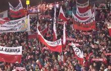 Aż ciarki przechodzą! Kilkadziesiąt tysięcy ludzi śpiewa hymn Polski po zwycięstwie Kamila Stocha w Zakopanem [WIDEO]